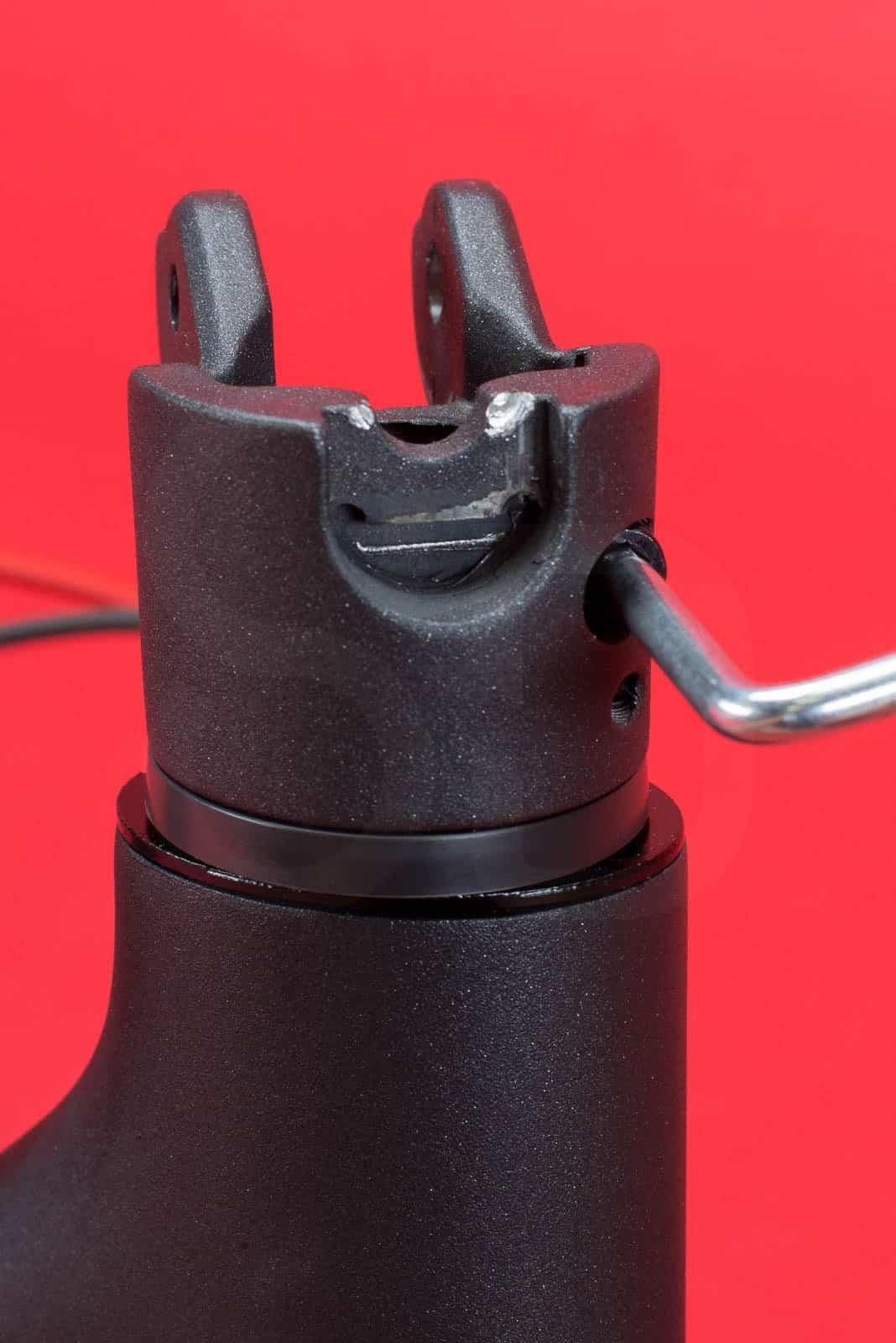 Système de fixation pour potence de trottinette xiaomi